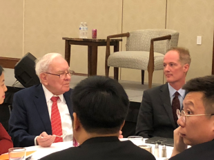 Dr Jeff Towson with Warren Buffett